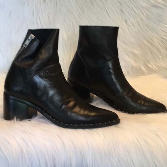ac99420fcc6 Treasure & Bond Black Farrah Booties